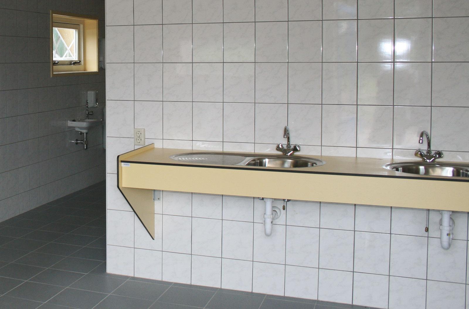 sanitair06